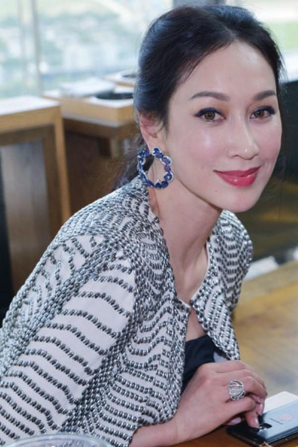 WTFSG_flower-diamond-celebrates-18th-anniversary_Grace-Chng