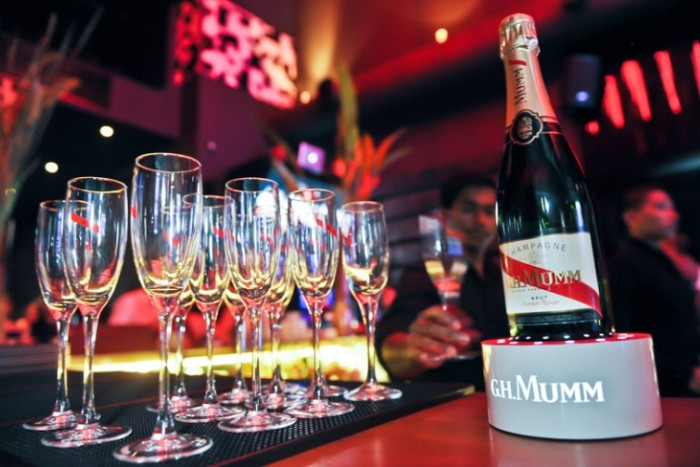 WTFSG_ghmumm-myfiftyseven-everyday-victories-party_bottle-glasses