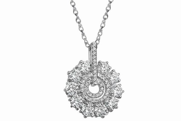 WTFSG_larry-jewelry-lazare-diamonds-holiday-collection_6