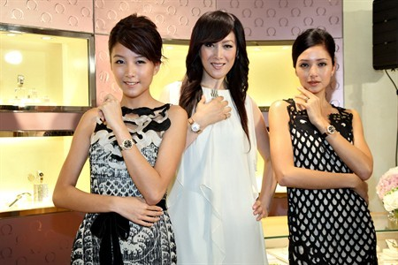 WTFSG_omega-hk-honors-ladymatic-with-women-in-time_Rose-Chan_QiQi_Alice-B