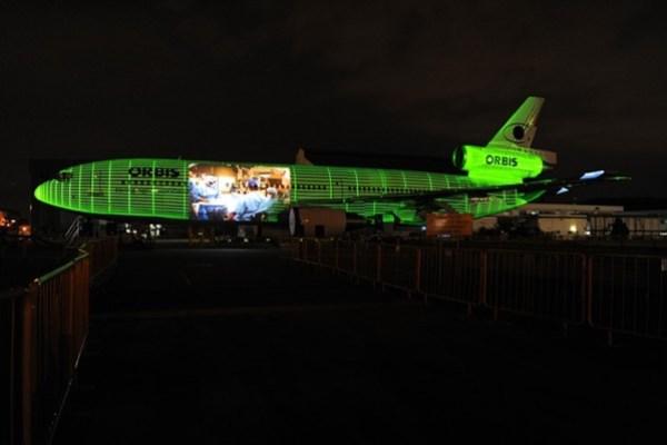 WTFSG_omega-orbis-flying-eye-hospital-tour-singapore_Light-Show
