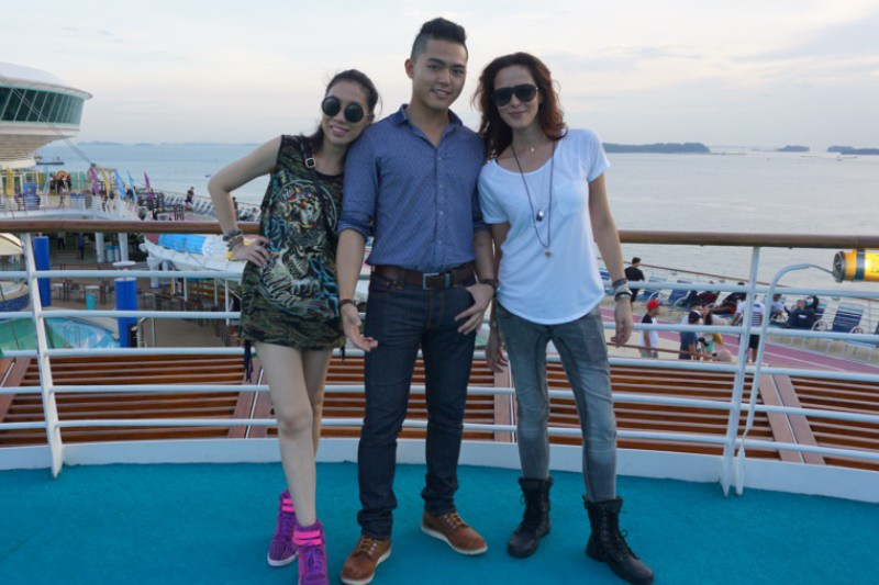 WTFSG_review-its-the-ship_Day-1_Patricia-Mok_Rupert-Sim_Rebecca-Tan