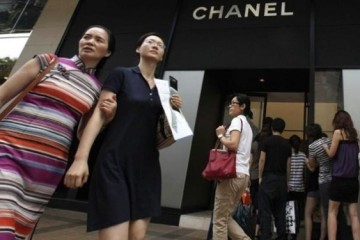 WTFSG_ruder-finn-ipsos-group-release-2015-china-luxury-forecast_shoppers