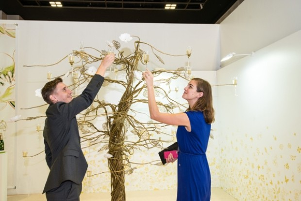 WTFSG_singapore-art-fair-2014-preview_Enchanting-Tree-by-Tord-Boontie