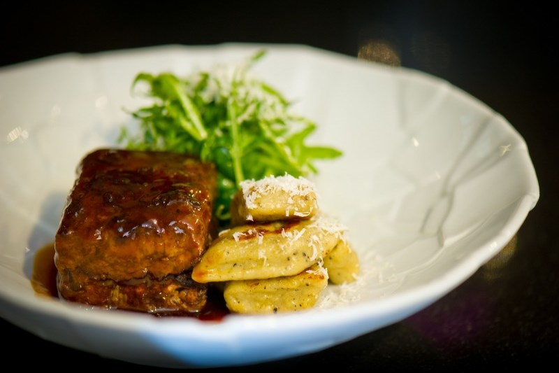 WTFSG_xperience-restaurant-bar-sofitel-so-singapore_Braised-wagyu-short-ribs