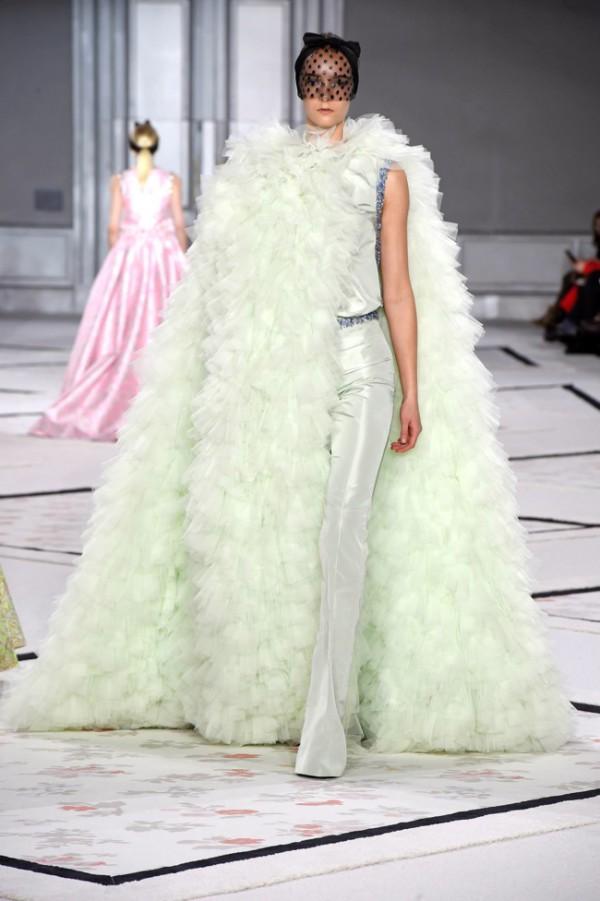 WTFSG-giambattista-valli-spring-2015-haute-couture-11
