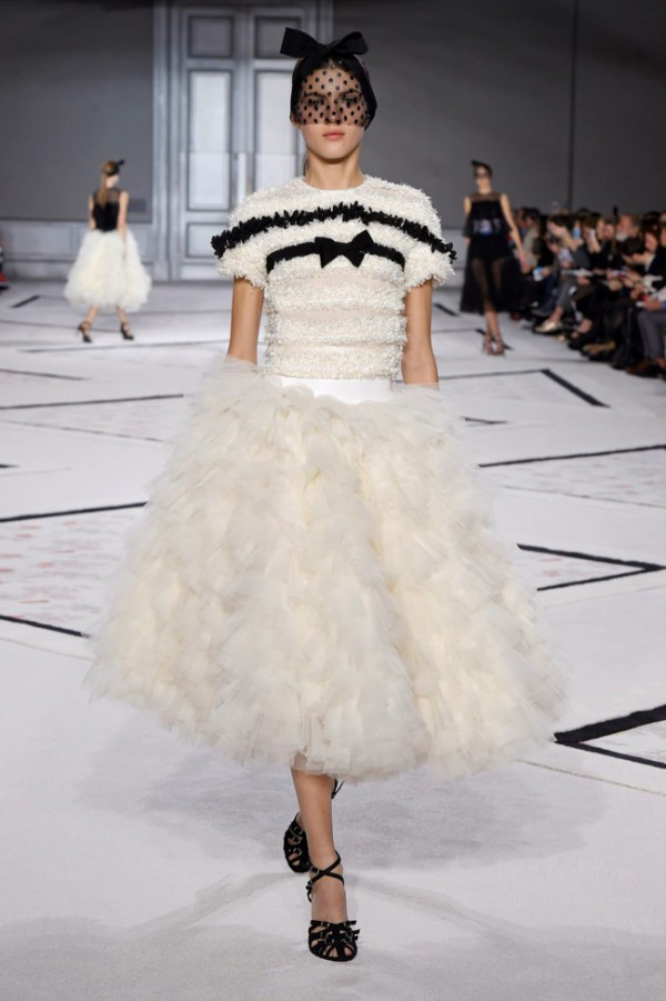 WTFSG-giambattista-valli-spring-2015-haute-couture-6