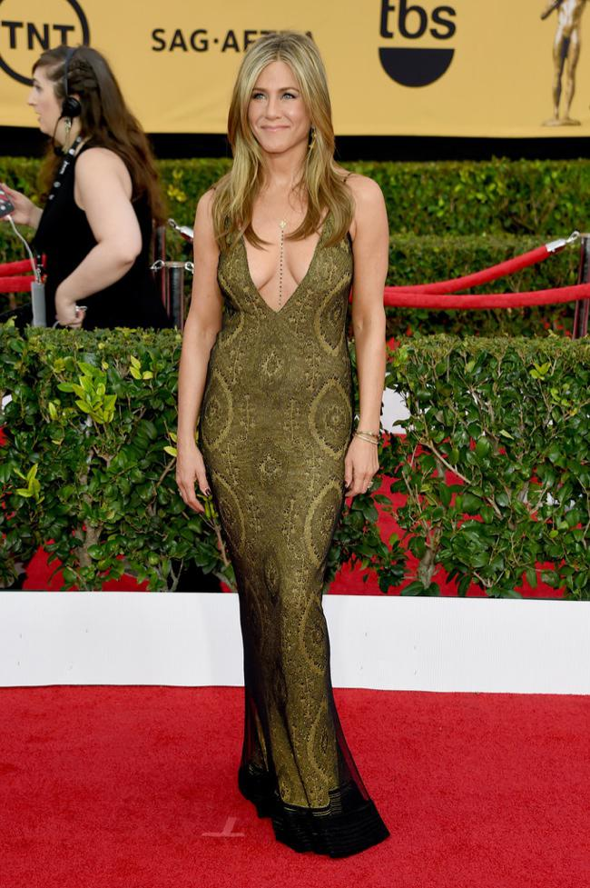 WTFSG-sag-awards-2015-jennifer-aniston-vintage-john-galliano