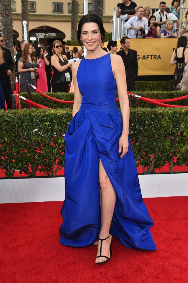 WTFSG-sag-awards-2015-julianna-margulies-blue-giambatista-valli