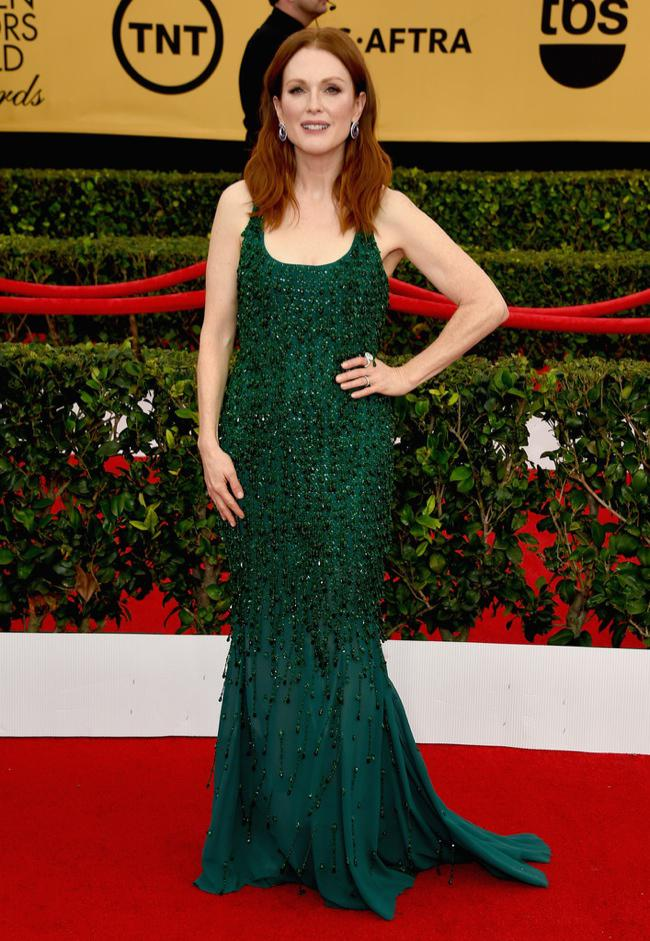 WTFSG-sag-awards-2015-julianne-moore-givenchy-couture