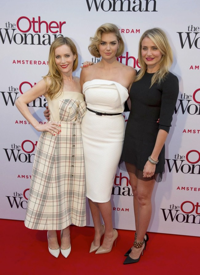 WTFSG_kate-upton-christian-siriano-the-other-woman-nl-premiere_2