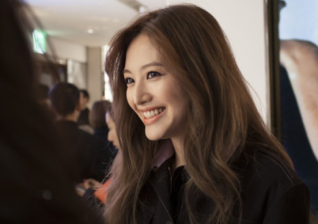 WTFSG_opening--first-burberry-beauty-box-asia_Kim-Jae-Kyung
