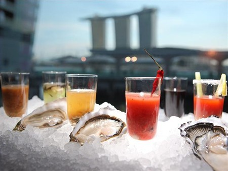 WTFSG_oyster-bar-singapore-marks-national-day-with-festive-twist_1