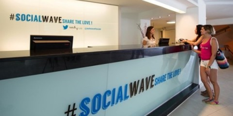 WTFSG_twitter-experience-hotel-launches-party-suites_socialwave