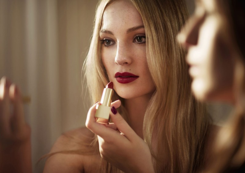 WTFSG_burberry-festive-beauty-2014_7