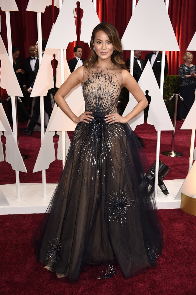 WTFSG_jamie-chung-blue-sparkly-dress-oscars