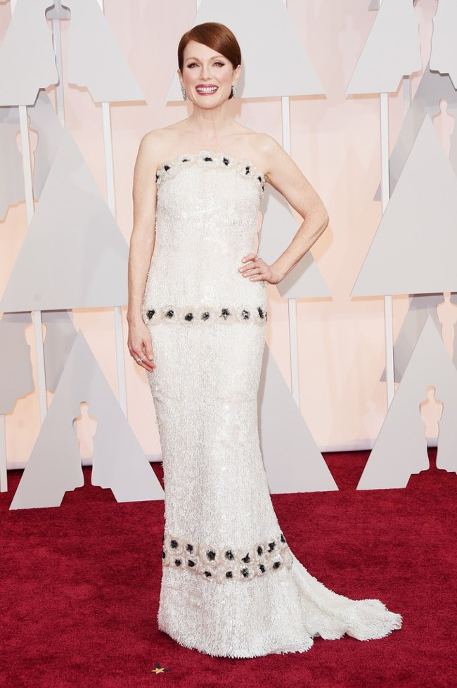 WTFSG_julianne-moore-chanel-dress-oscars-2015