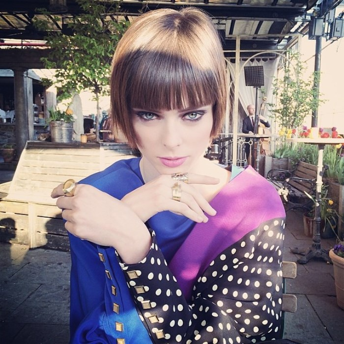 WTFSG_1920s-hairstyles-short-curly-bobs-updos_Coco-Rocha