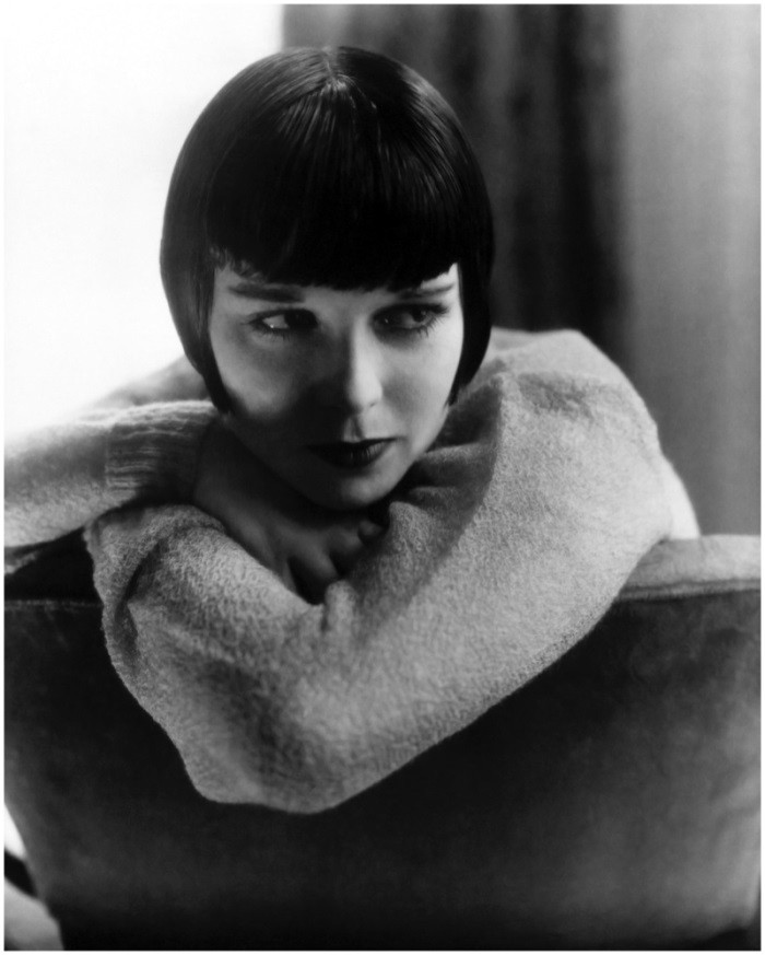 WTFSG_1920s-hairstyles-short-curly-bobs-updos_Louise-Brooks