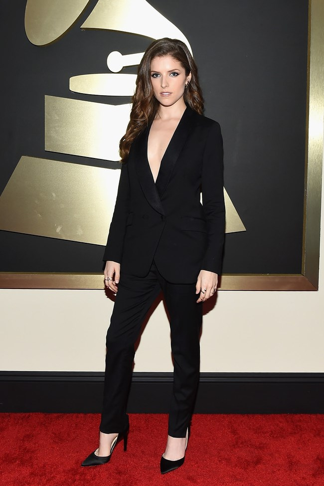 WTFSG_2015-grammy-awards-red-carpet-style_Anna-Kendrick