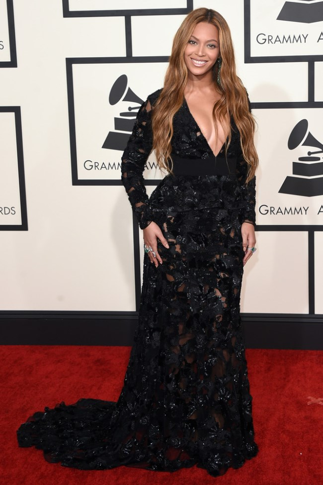 WTFSG_2015-grammy-awards-red-carpet-style_Beyonce