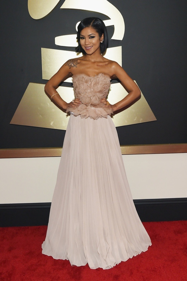 WTFSG_2015-grammy-awards-red-carpet-style_Jhene-Aiko