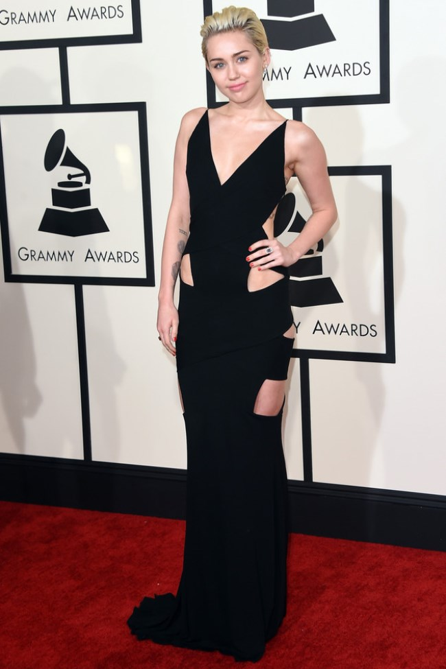 WTFSG_2015-grammy-awards-red-carpet-style_Miley-Cyrus