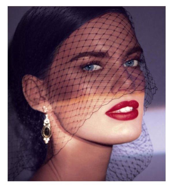 WTFSG_Laura-Mercier-Fall-2013-Rouge-Nouveau-Weightless-Lip-Colour-Promo