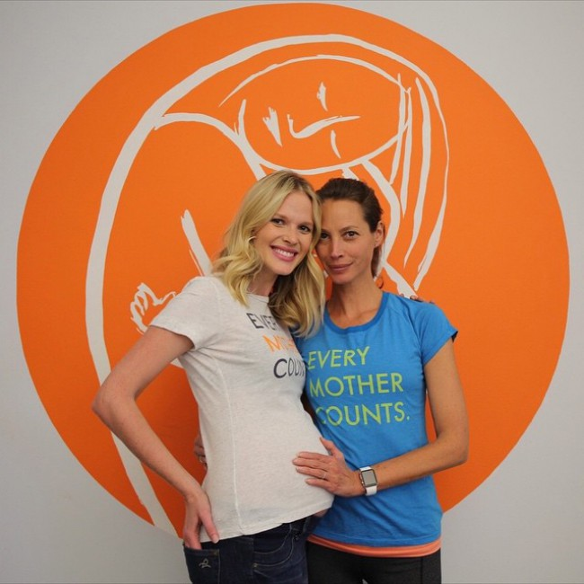 A pregnant Anne V and model Christy Turltington at Every Mother Counts event. Photo via Instagram.