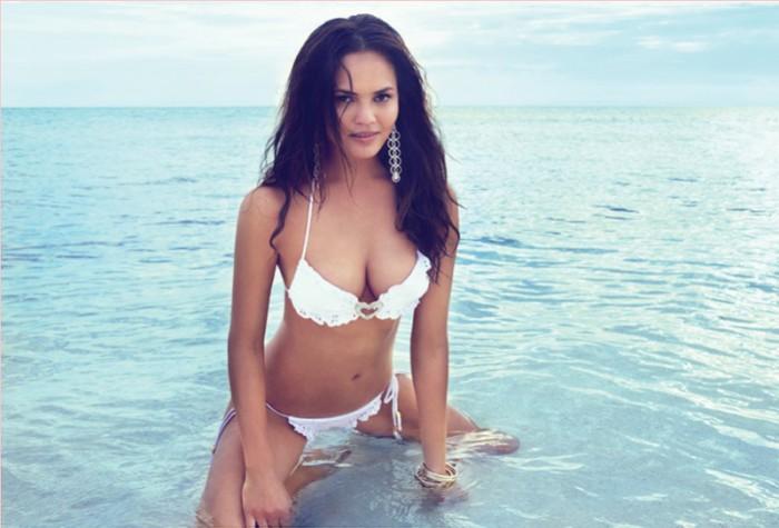 WTFSG_bikini-models-fitspiration_Chrissy-Teigen