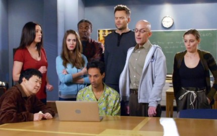 WTFSG_community-is-coming-back-for-a-sixth-season-thanks-to-yahoo