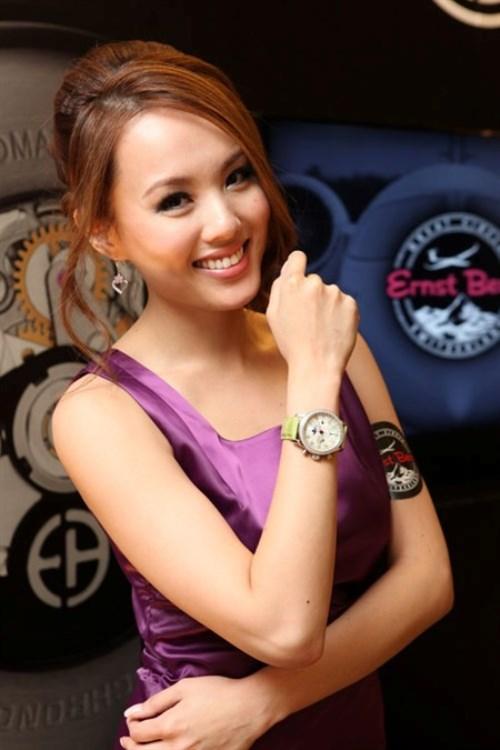 WTFSG_ernst-benz-hong-kong-elegant-watch-jewellery_Rabeea-Yeung