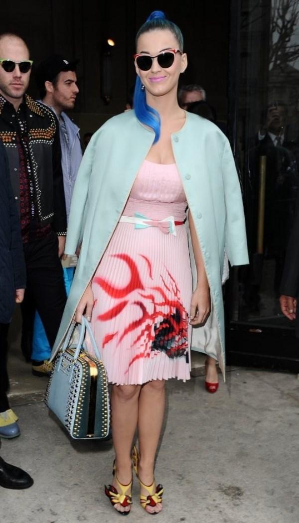 WTFSG_katy-perry-wearing-qeelin-paris-fashion-week_2