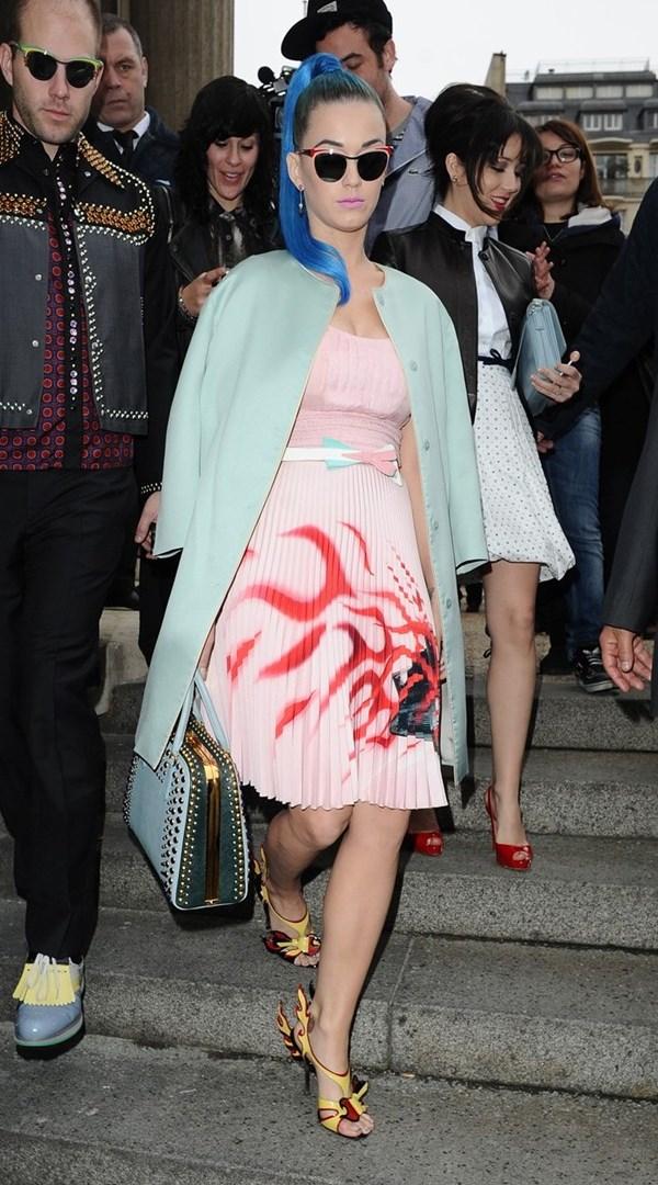 WTFSG_katy-perry-wearing-qeelin-paris-fashion-week_4