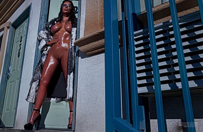 kim kardashian full frontal nude
