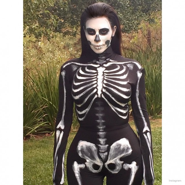 WTFSG_kim-kardashian-skull-halloween