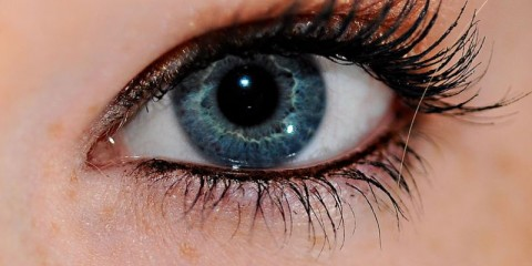 WTFSG_laser-treatment-claims-to-turn-brown-eyes-blue
