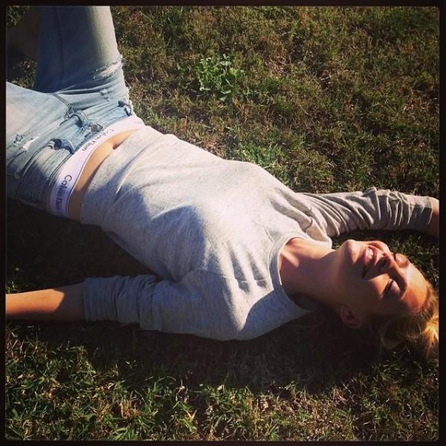 WTFSG_mycalvins-instagram-campaign_Poppy-Delevingne