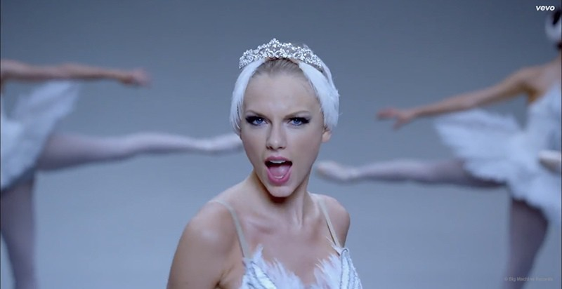 WTFSG_taylor-swift-shake-it-off-music-video_2