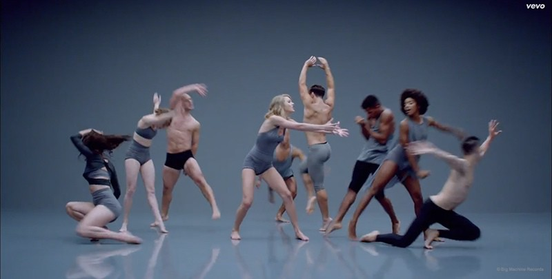 WTFSG_taylor-swift-shake-it-off-music-video_3