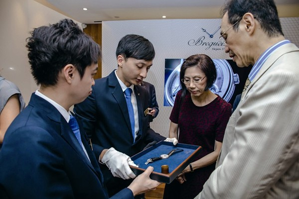 WTFSG_breguet-introduces-worlds-thinnest-tourbillon-hong-kong_3