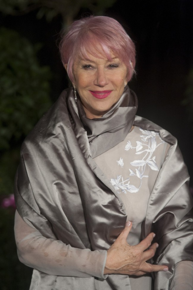 WTFSG_celebrities-stars-with-pink-hair_helen-mirren