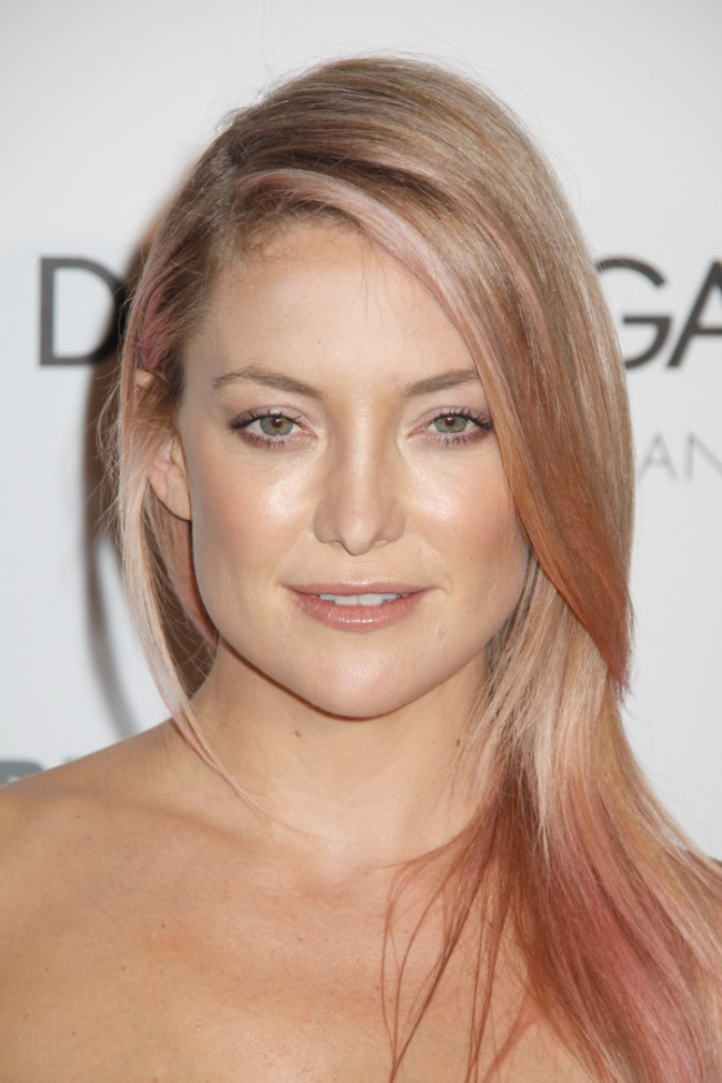 WTFSG_celebrities-stars-with-pink-hair_kate-hudson