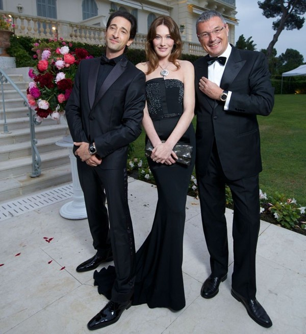 WTFSG_cinema-against-aids-cannes-gala-2014_Adrien-Brody_Carla-Bruni_Jean-Christophe-Babin