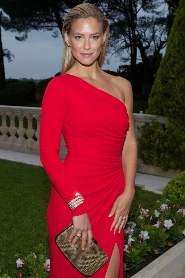 WTFSG_cinema-against-aids-cannes-gala-2014_Bar-Refaeli