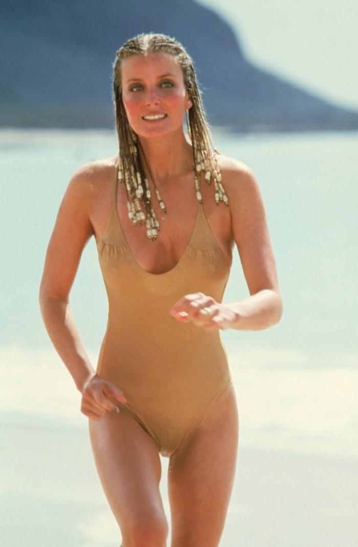 WTFSG_famous-bikinis-film_bo-derek-10-swimsuit