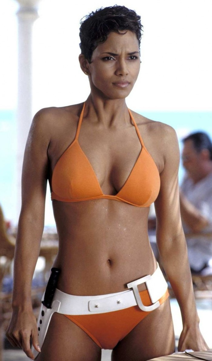 WTFSG_famous-bikinis-film_halle-berry-bikini-die-another-day