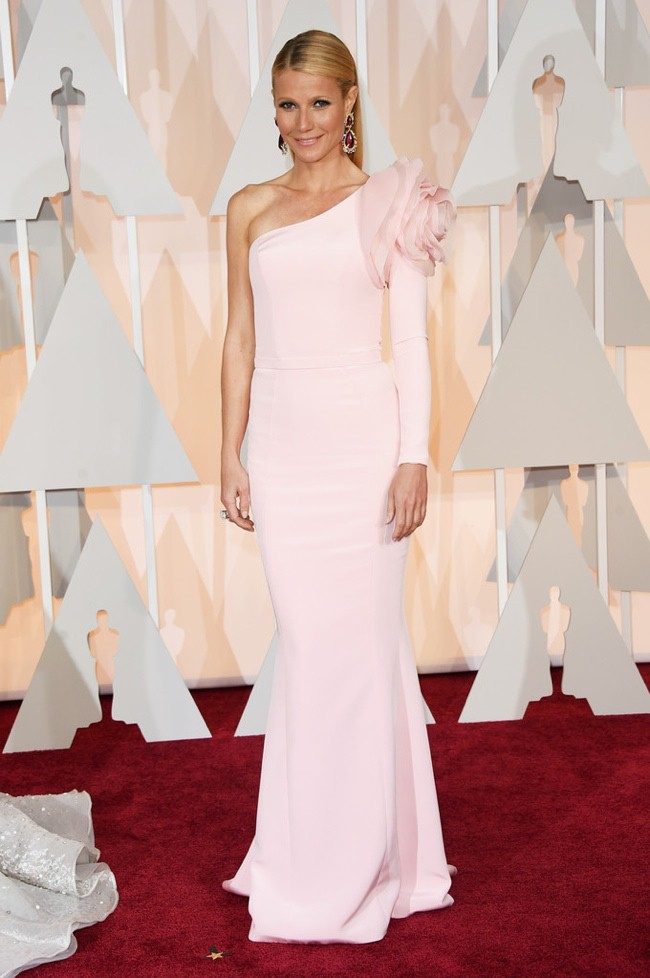 WTFSG_gwyneth-paltrow-pink-ralph-russo-dress-oscars-2015