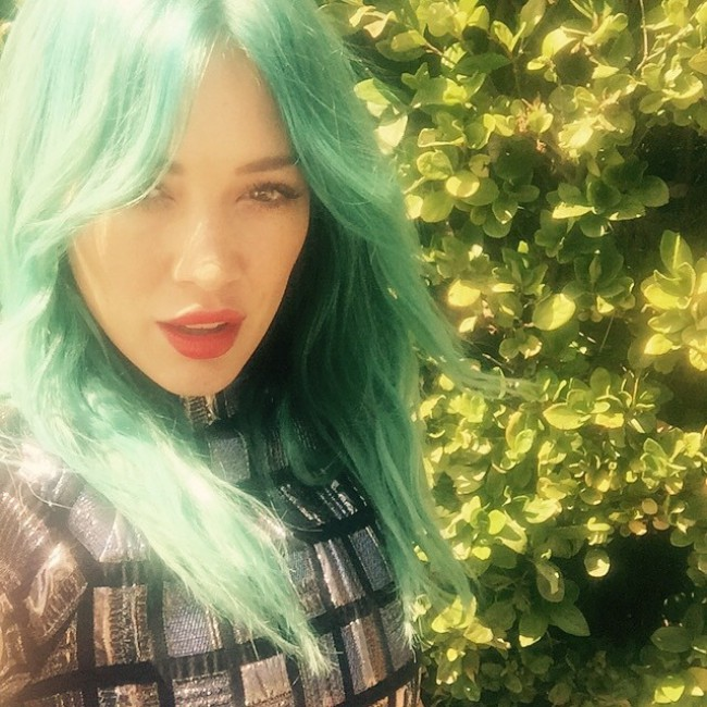 WTFSG_hilary-duff-blue-hair-instagram