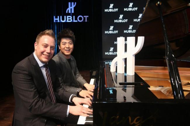 WTFSG_hublot-lang-lang-brand-ambassador_Loic-Biver_piano